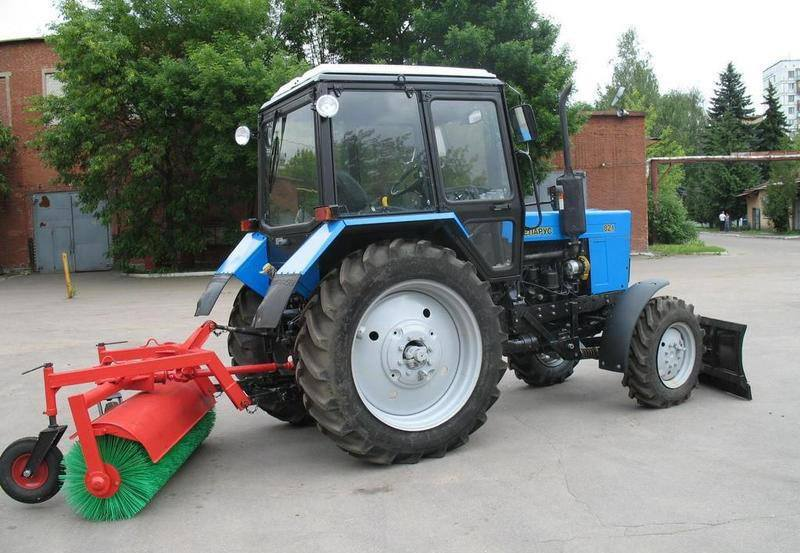 Машина уборочно-погрузочная Беларус МТЗ 320.4 МУП